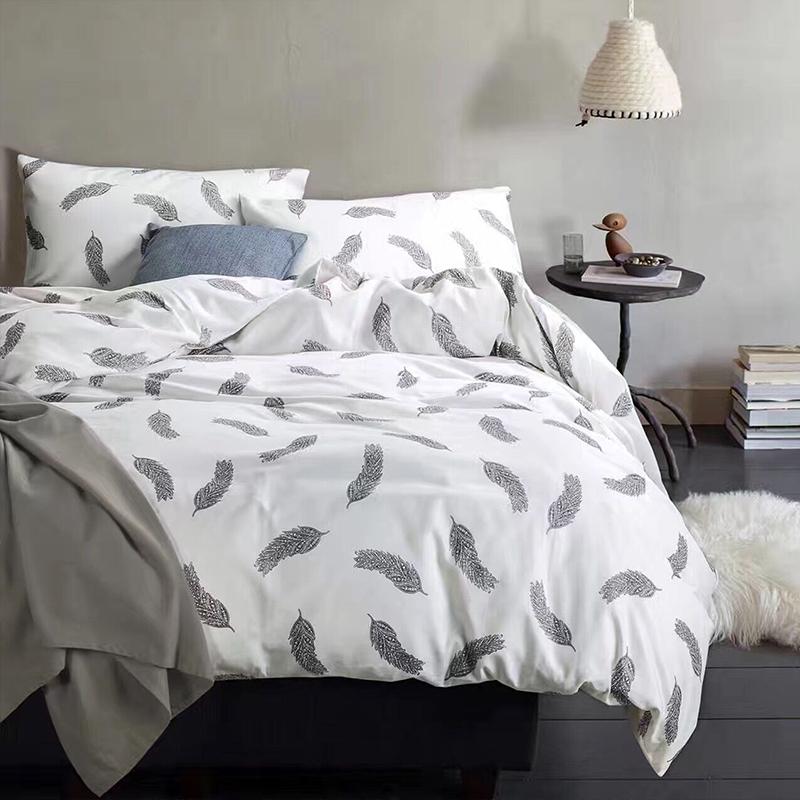 achetez en gros blanc plume couette en ligne des grossistes blanc plume couette chinois. Black Bedroom Furniture Sets. Home Design Ideas