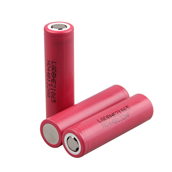 3PCS Free shipping 18650 lithium battery voltage is 3.7V 2500 mA Hi magnification 20A electronic cigarette battery power(China (Mainland))