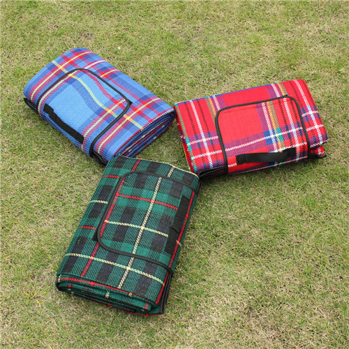 1.5*2M Outdoor Beach Camping Picnic Mat Multiplayer Fold Outdoor Waterproof Moistureproof Baby Climb Plaid Blanket