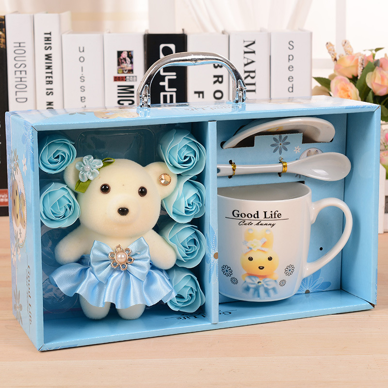 Little Bear Soap Flower Ceramic Cup Suit Creative Lovers Gift Cartoon Drinking Cup Korean Home with Cover with Spoon Funny Mug(China (Mainland))