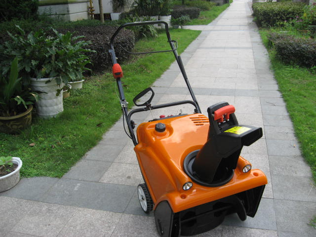 snow sweeper ,roade sweeper ,gasoline sweeper(China (Mainland))
