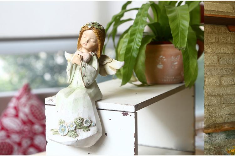 11*8*18cm Sleeping Angel Resin Figurine Holding Heart Display Furniture Home Ornament Deco Jardin Free Shipping(China (Mainland))