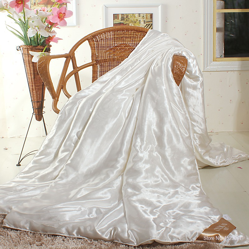 100% mulberry silk quilt/blanket summer&spring king/queen/twin size white handwork positioning comforter/duvet fast shipping(China (Mainland))