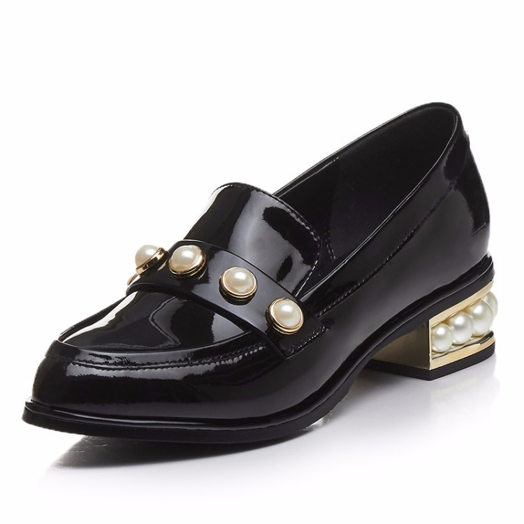 Women Patent leather Vintage Flat Oxford Shoes Woman flats 2017 Fashion Pearl British style Brogue Oxfords women shoes DWD888