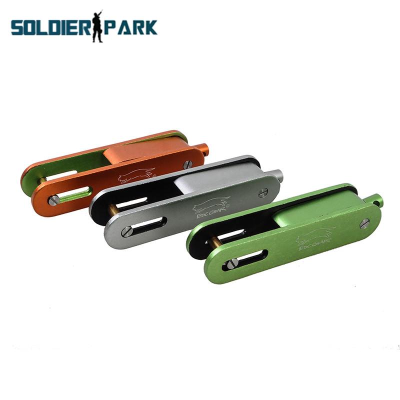 New Smart Aluminum Alloy Portable Keychain Foldable Key Clip Protective Holder Outdoor Hiking Camping Climbing Mini Tools Pocket(China (Mainland))