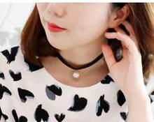 2018 חדש הגעה מתוקה אהבה מעוקב קריסטל תליוני שחור קטיפה משולש תליון שרשראות מאהב קולר עצמות בריח שרשרת(China)