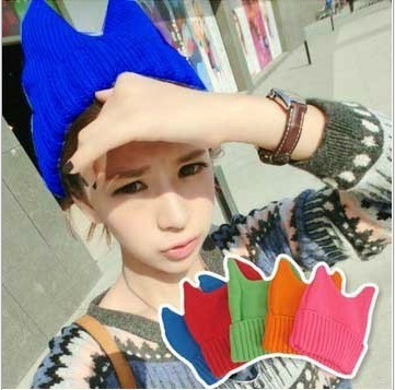 Fluorescent candy horn hat Small demon knitted cap The cat ear hat fluorescent cap /hat 101711(China (Mainland))