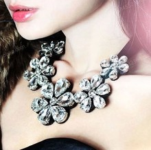 SALE Europe Pop 3 Colors Hot High Quality Fashion Jewelry Flower Crystal Choker Necklace For Woman New 2014 Statement Necklaces