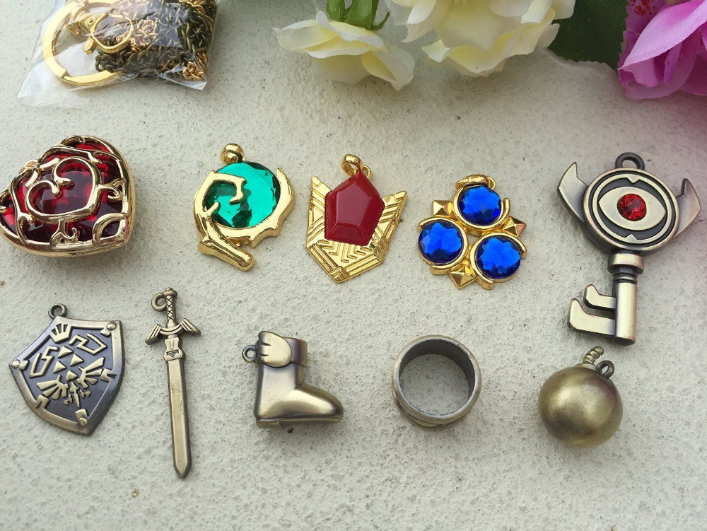 The-Legend-of-Zelda-Logo-Cosplay-Necklace-keychain-key-chain-Pendant-10pcs-Set-Collection-Gift-Box (2)