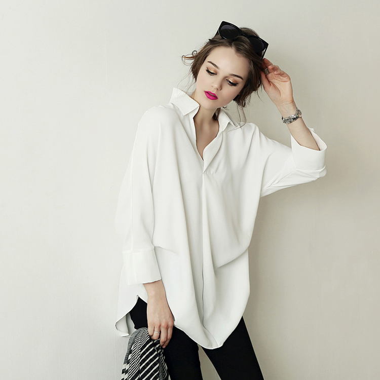 How To Wear An Oversized White Blouse 52