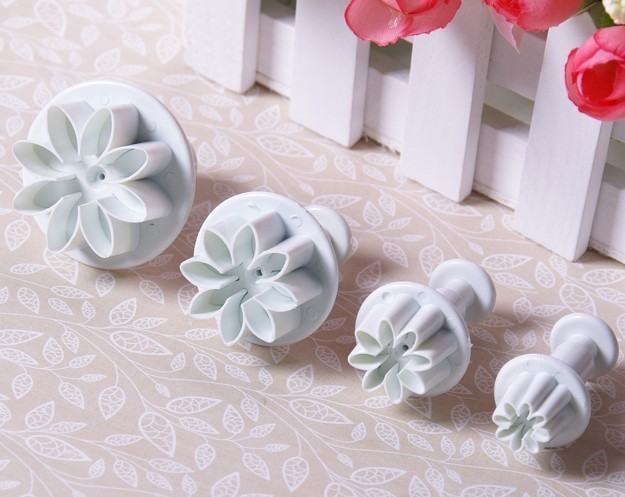 4pcs Daisy Fondant Flowers Shaped Spring Die Sugar Chocolate Mold Cake Bakeware Pastry Cookies Bakeweare Moulds Tools 01062(China (Mainland))
