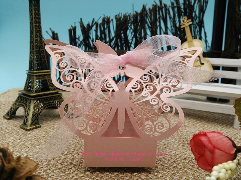 Pink Creative Pearlescent paper Butterfly personalized laser cut wedding box,wedding candy box carriage,wedding box favors(China (Mainland))