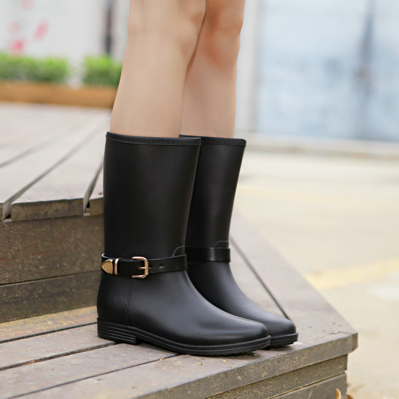 high quality rubber women's rainboots 2016 spring female metal buckle mid high matt solid color rain boots waterproof shoes