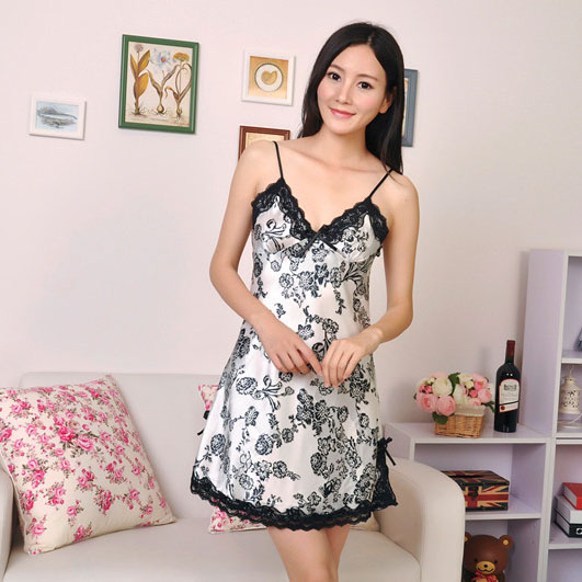 Hot Rayon Silk Sleepwear Lace Nightgown Plus Size Women Sleepwear Sexy Sleepwear(China (Mainland))