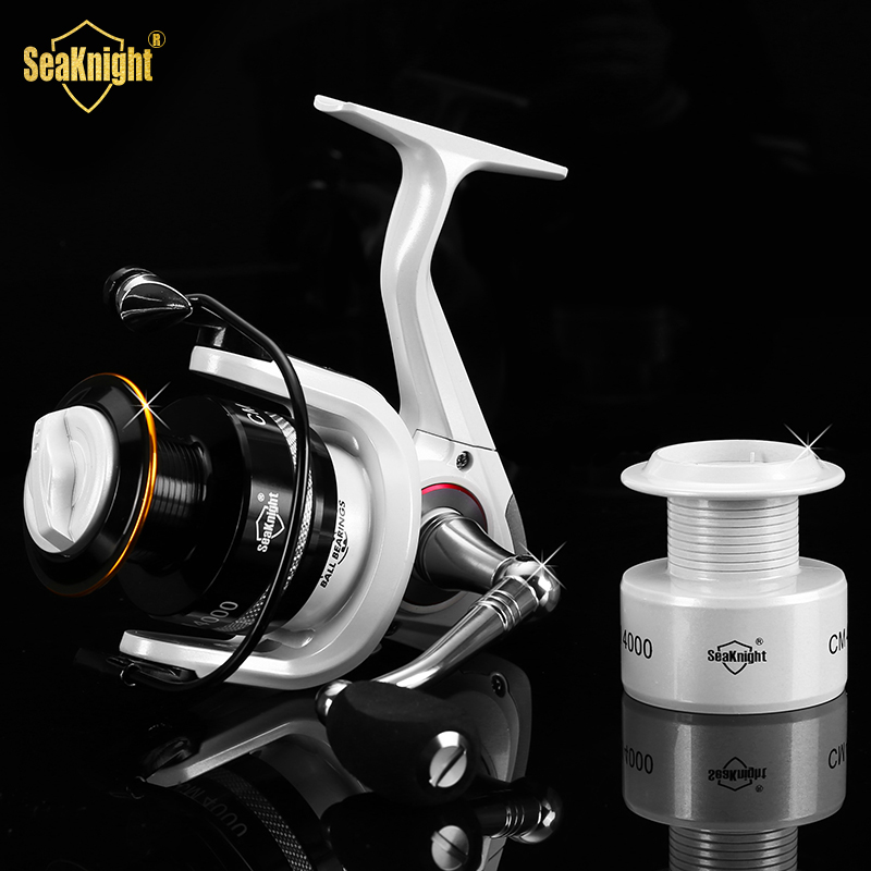 SeaKnight Updated Quality CM2000-4000 11BB 5.2:1 Metal Spinning Fishing Reel Carp Fishing Wheel Spinning Reel With Spare Spool(China (Mainland))