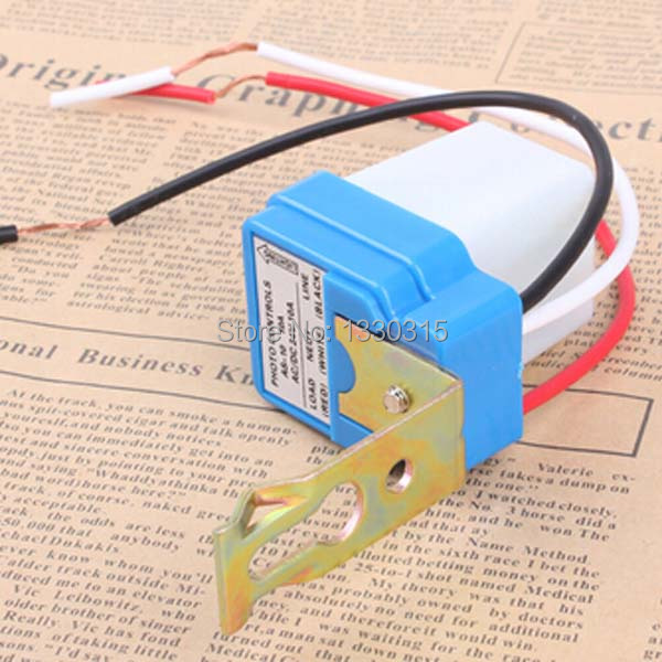 New Automatic Auto On Off street Light lamp Switch Photo Control Sensor DC AC 220V 50-60Hz 10A 4TeVo(China (Mainland))