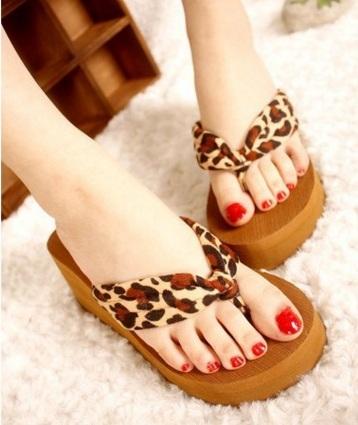 Women cute leopard high heel beach flip flops female casual home slippers summer fashion eva bottom sandals sandalias femininos(China (Mainland))