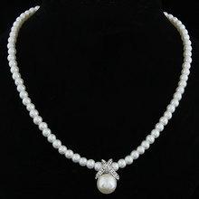 Korean Fashion Full Imitation Pearls Cute Rhinestone Pendant Necklace Hot Sale Jewelry For Women Wholesale M13