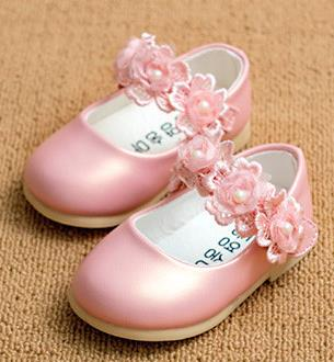 Здесь можно купить  Girls princess pearl flower shoes 2016 spring toddler fashion girls leather flat shoes ninas elsa 411b  Детские товары