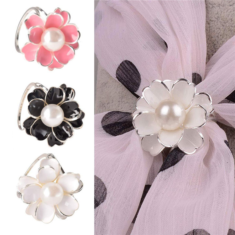 lackingone hot sale brooches for women  Chic Women's Scarf Ring Clip Buckle Jewelry Scarves Flower Buckle Holder free shipping(China (Mainland))