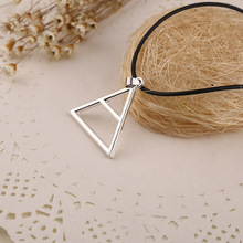 HOT Sale New Jewelry Man or Woman Geometric Logo Triad Pendant Necklace Thirty 30 Seconds to