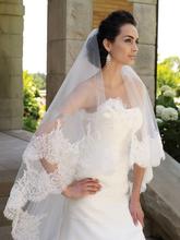 Neue Heiße Verkauf Höchste Qualität 1,8 Meter LengthTwo Tiered Lace Perlen Kante Lange Luxus Hochzeit Schleier Brautschleier Spitzenschleier(China (Mainland))