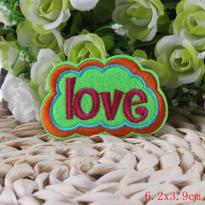 DIY Letter Patch Cute Cheap Embroidered Iron On Kids Clothes Patches Stickers Funny Logo Patch(China (Mainland))
