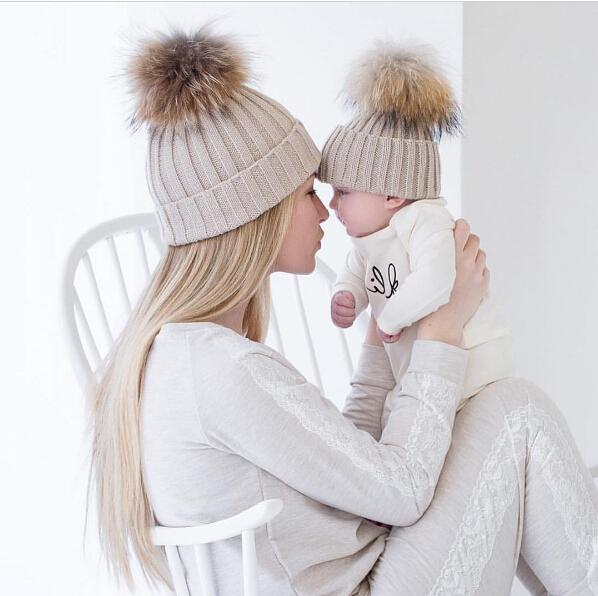 Зима Теплая Мама и Новорожденный Детей Шляпы Крючком Вязать Hairball Шапочка кубок 2 ШТ. Мама и я Вязание Шары Теплая Зима Трикотажные Cap