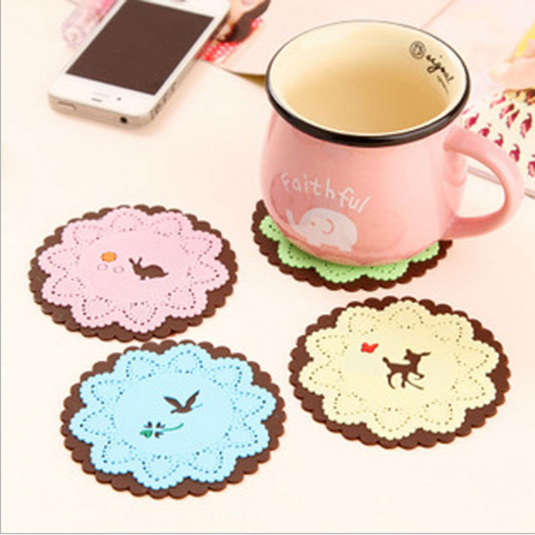 2015 Placemat Paper Doilies Blasting Hot Selling Silica Hollow Carved Coasters Anti-skid Office Color Lace Silicone Mat 4/lot(China (Mainland))