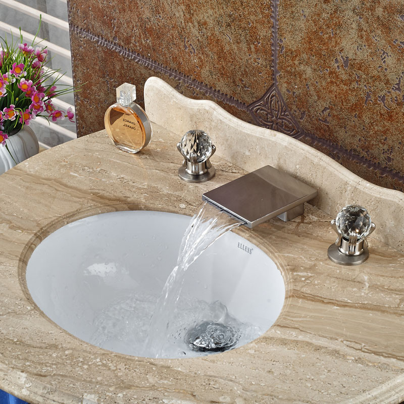 Купить Новый Дизайн Водопад Двойной Ручкой Бассейна Кран Палуба Гора Матовый Никель 3 шт. Горячая Холодная Смесители