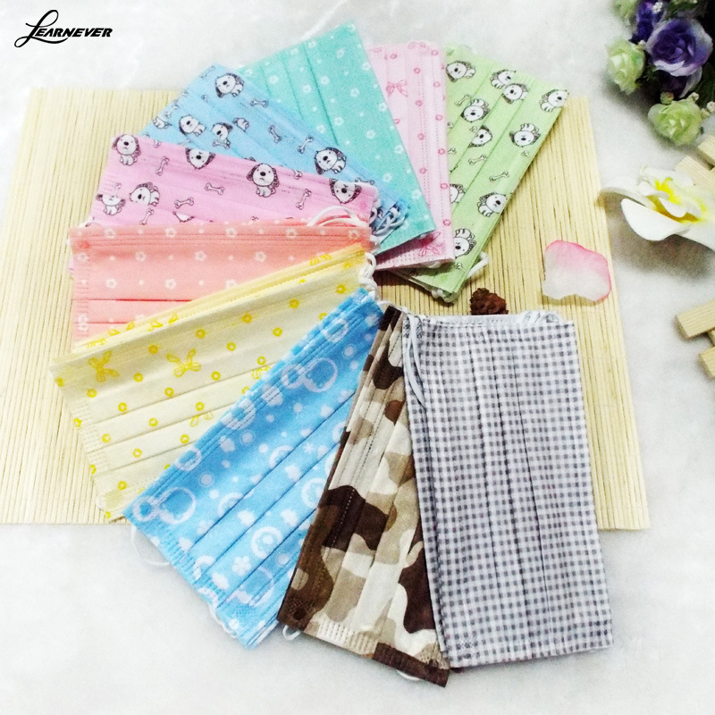 5pcs/Pack Fashion cute Prints Chaorou spunlace three disposable face mask respirator earmuffs medical mask(China (Mainland))