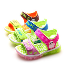 2016 summer kids led light up shoes children beach casual sandals shoes with light cartoon casual shoes for kids boys and girls(China (Mainland))