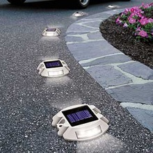 LED Solar Outdoor Garden Path/Driveway/Security Lights