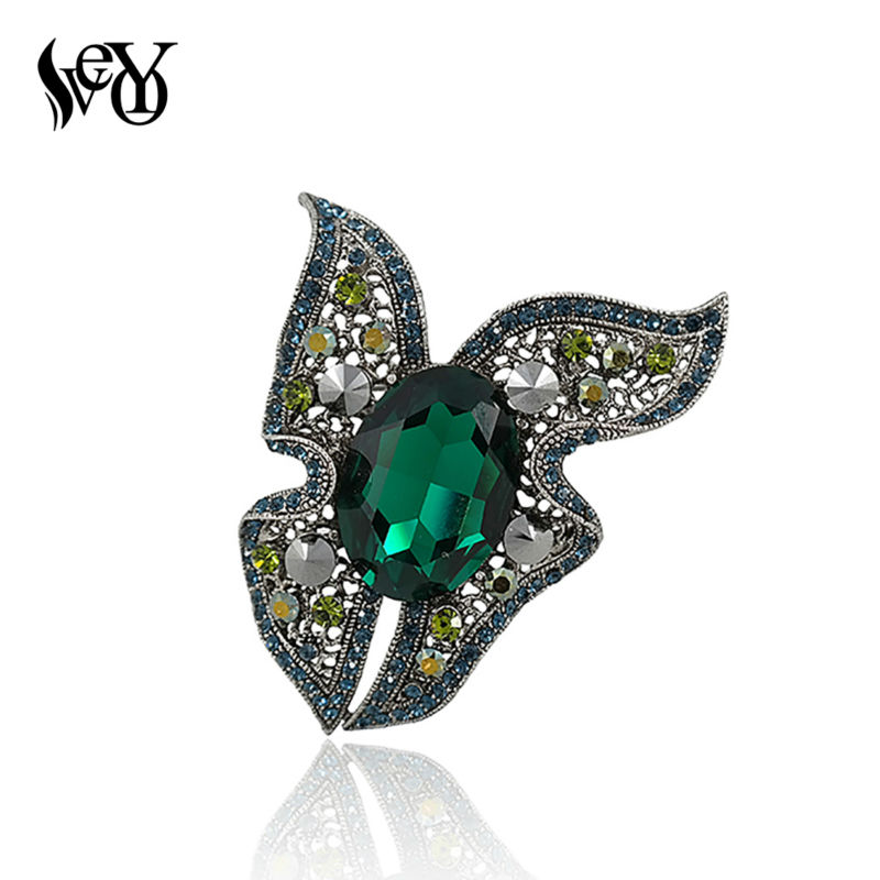 VEYO Brand High Quality Emeralds Crystal Rhinestone Butterfly Brooches for Woman Large Vintage Brooches(China (Mainland))