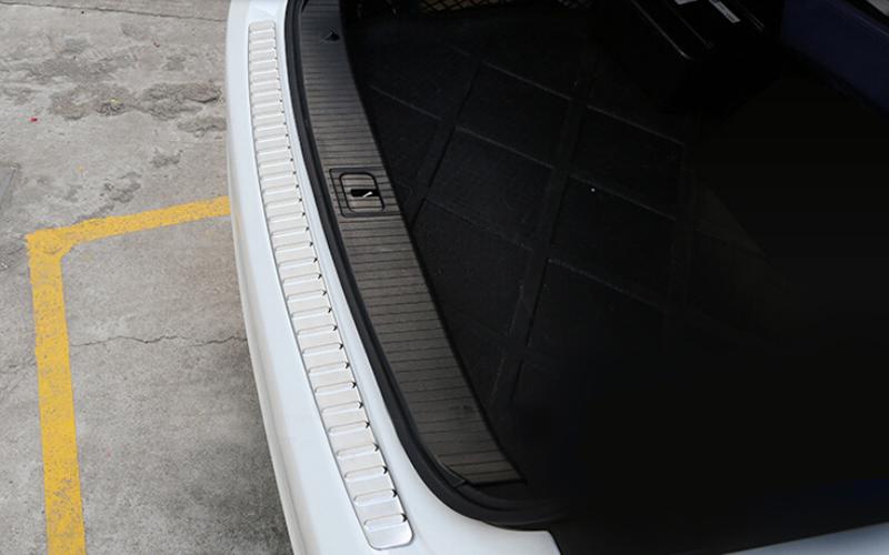 For Benz E class W212 E200 E250 E300 E350 2010 11 12 13 2015 outer rear bumper guard plate trim 1pcs(China (Mainland))