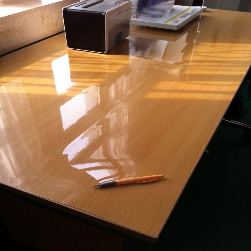 protection transparente pour table en verre. Black Bedroom Furniture Sets. Home Design Ideas
