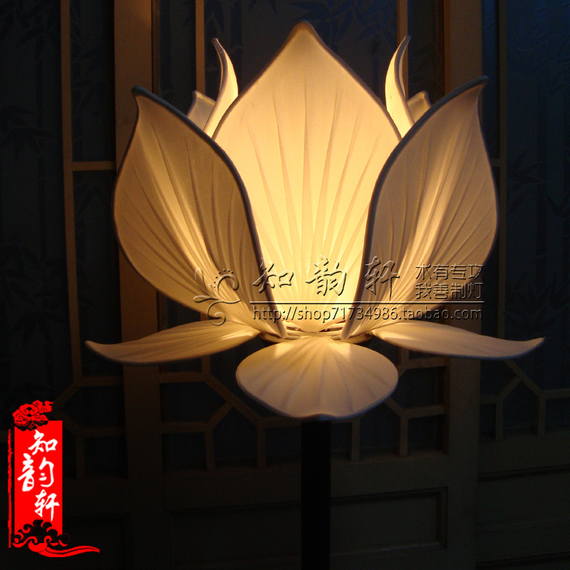 Chinese wooden floor lamp red lotus design floor lamp art floor lamp celebrative LED lighting(China (Mainland))