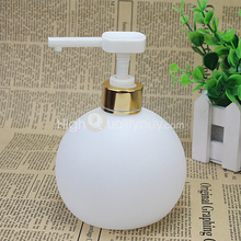 500ml Liquid Soap Pump Dispenser Shampoo Container Bottle for Bathroom Kitchen(China (Mainland))