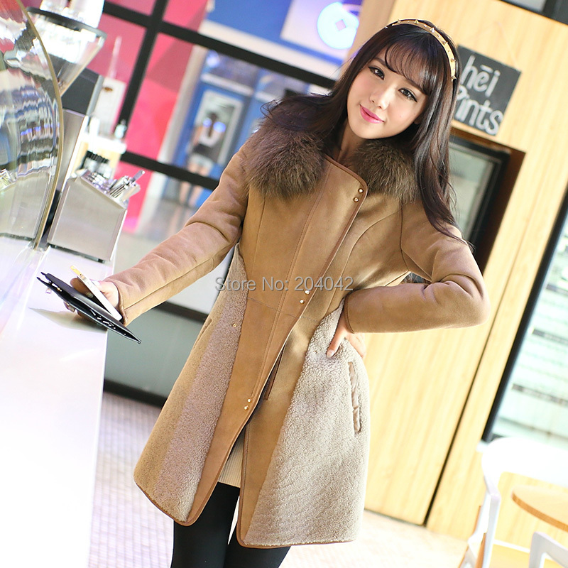 Здесь можно купить  2014 Winter New Lamb Fur Coat Real Double-faced Fur Coats For Women Slim Sheepskin Jacket With Raccoon Fur Collar 20141114-2X  2014 Winter New Lamb Fur Coat Real Double-faced Fur Coats For Women Slim Sheepskin Jacket With Raccoon Fur Collar 20141114-2X  Одежда и аксессуары