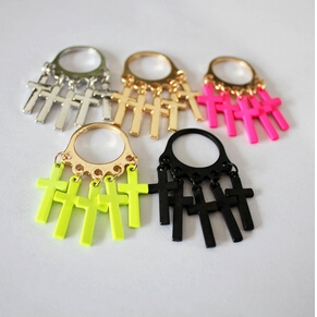 Punk Cross Ring Material: Alloy Color classification: Golden White color No light black color(China (Mainland))