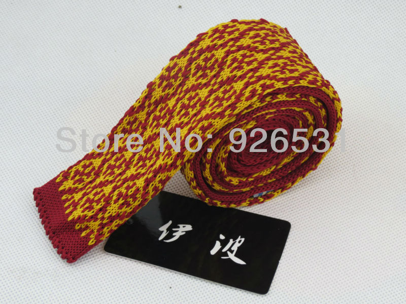 YiBo 2013 hot tie han edition men's knitted narrow flat 4 cm tie wine red golden diamond lattice marriage ties(China (Mainland))