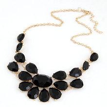 Výrazný dámský náhrdelník s velkými kamínky z Aliexpress
