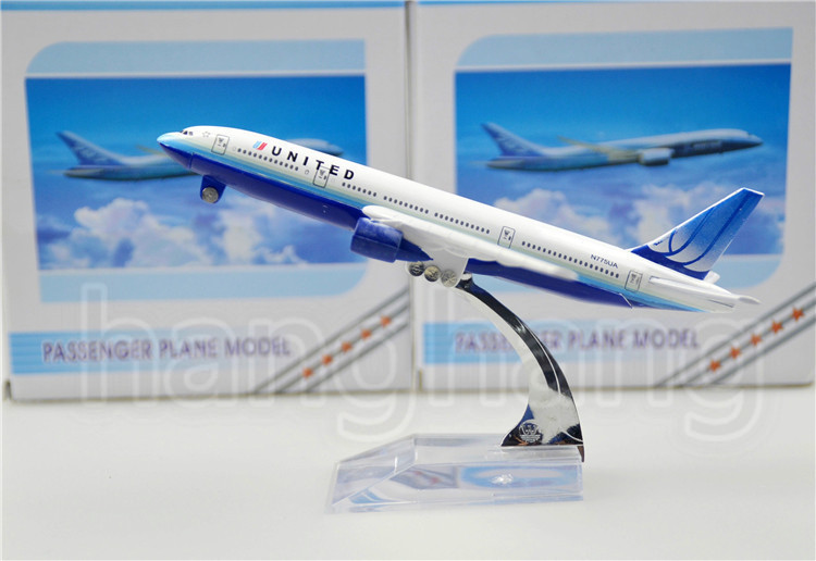 United Airlines Boeing 777 16cm alloy metal airplane models child Birthday gift plane models Free Shipping(China (Mainland))