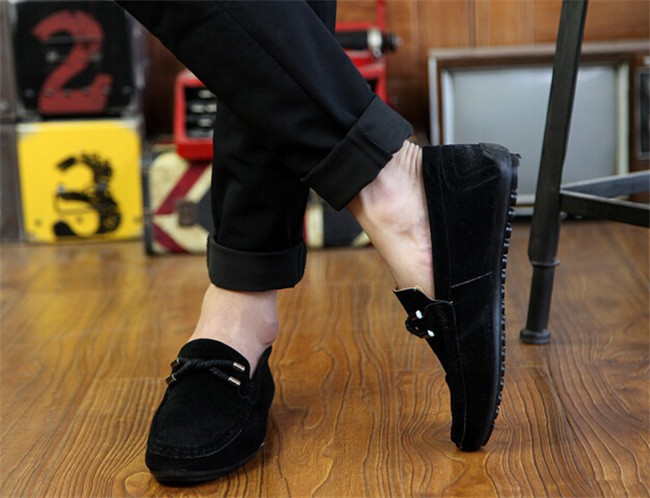 Мужчины Квартиры 2015 Новый Горячий Стиль Мода Твердые Круглый Носок Повседневная Мокасины Удобная Осень Flock Обувь Человек XMR943