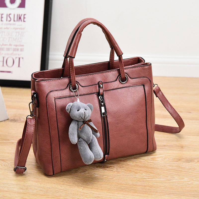 2016 Elegant rubber pink women handbags with bear pandent,OL briefcases necessaire,casual makeup bags,female purses borsetta A25<br><br>Aliexpress