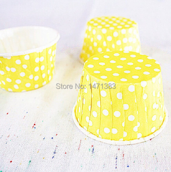 50pcs, Yellow Edge flanging High quality muffin cases/holder ,film paper cups/high temperature cake cup, party decoration(China (Mainland))