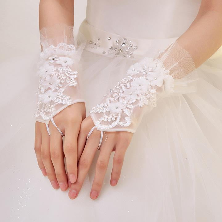 The latest high quality fashionable white/ivory fingerless gloves bride gauze decals bride gloves wedding accessories(China (Mainland))