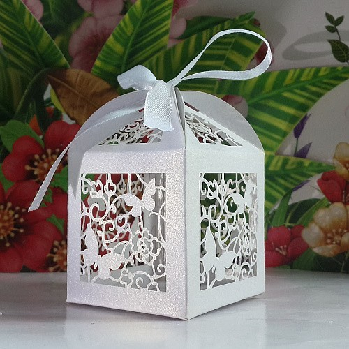 Laser Cut butterfly Wedding Candy Box Wedding Gift Box With Real Tracking Number (ribbon need to cut by yourself) 1000PCS(China (Mainland))