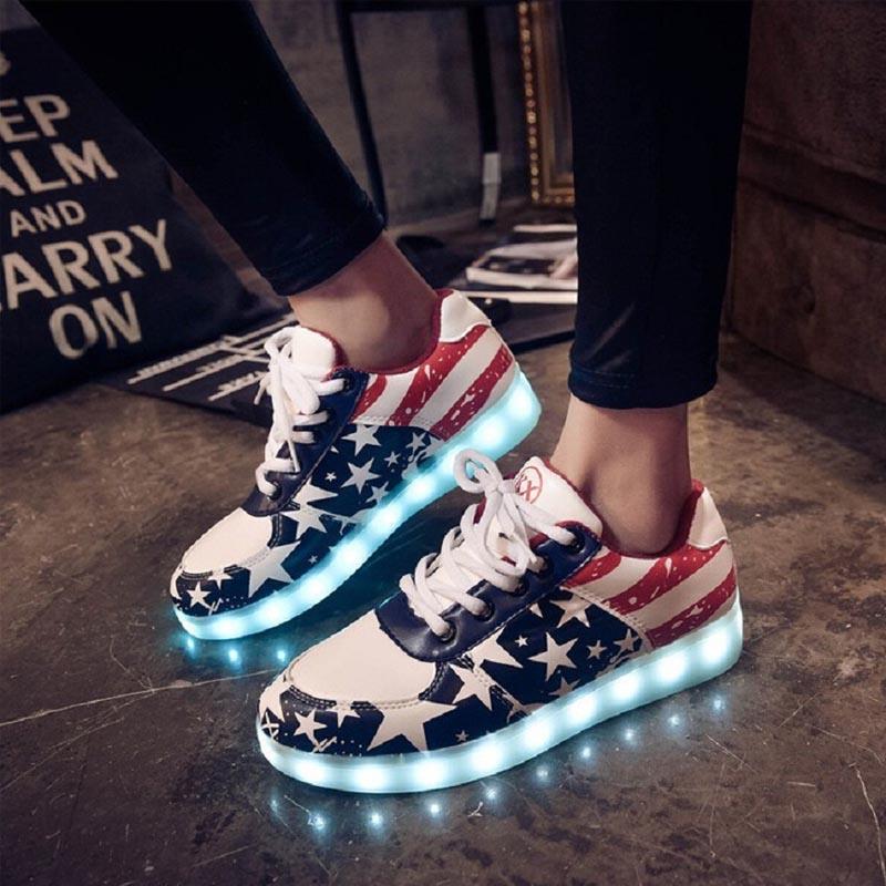 Гаджет  New Fashion LED Luminous Shoes Unisex Led Glow Casual Black Lover Tide Shoes Men /Women Leather USB Light Shoes None Обувь