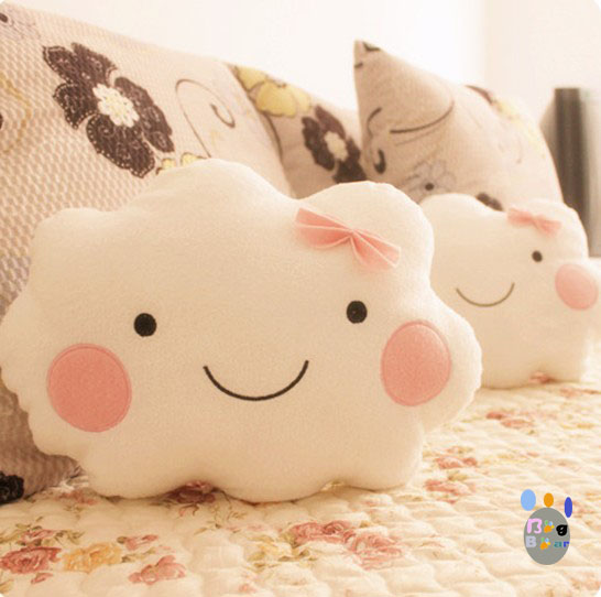 Free shipping Smiley the clouds lovers pillow plush toy clouds pillow large pillow doll hand warmer(China (Mainland))